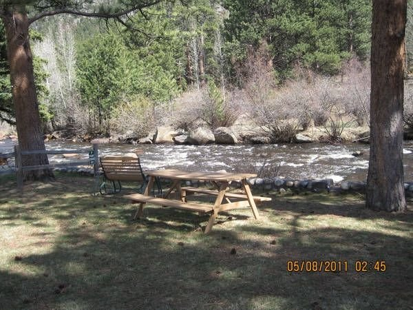 Deer Cozy Cabin by the Big Thompson River, Near R.M.N.Park., vacation rental in Estes Park