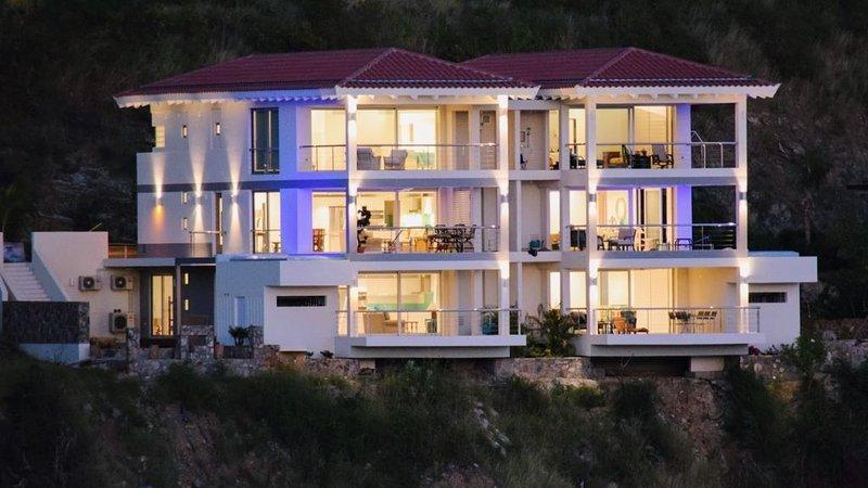 Stunning *NEW* Ocean Front Villa in Indigo Bay Community-Ocean's Edge Villa 22A, holiday rental in Cole Bay
