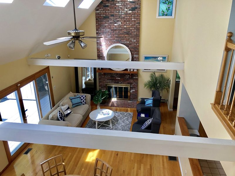 Large & Spacious New Seabury Home, Sleeps 10-12 and Close to Beach, holiday rental in Mashpee