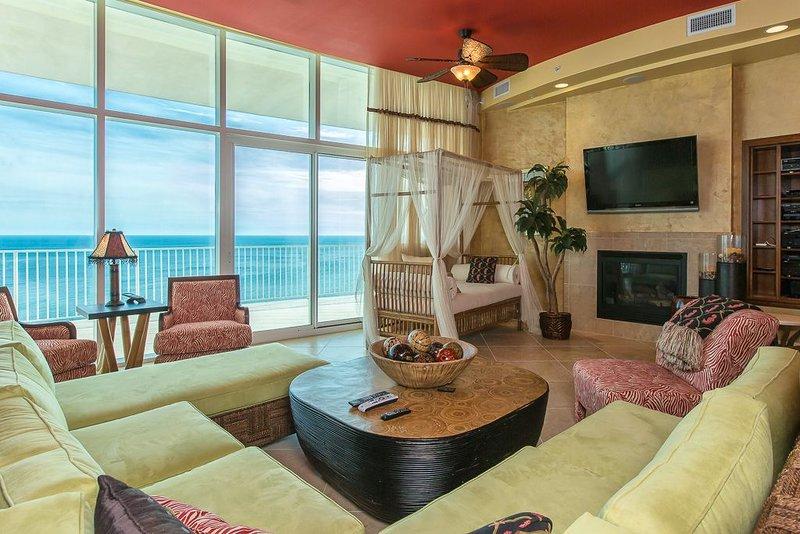 Spacious Living Area w Incredible Views