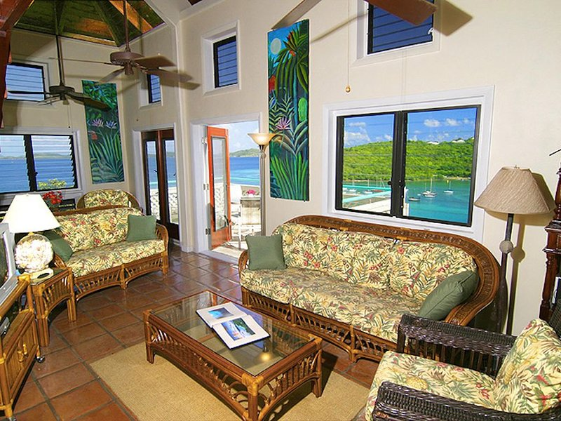 Tropical Breeze * Battery Hill: Gorgeous views, walking dist. to town!, holiday rental in Cruz Bay