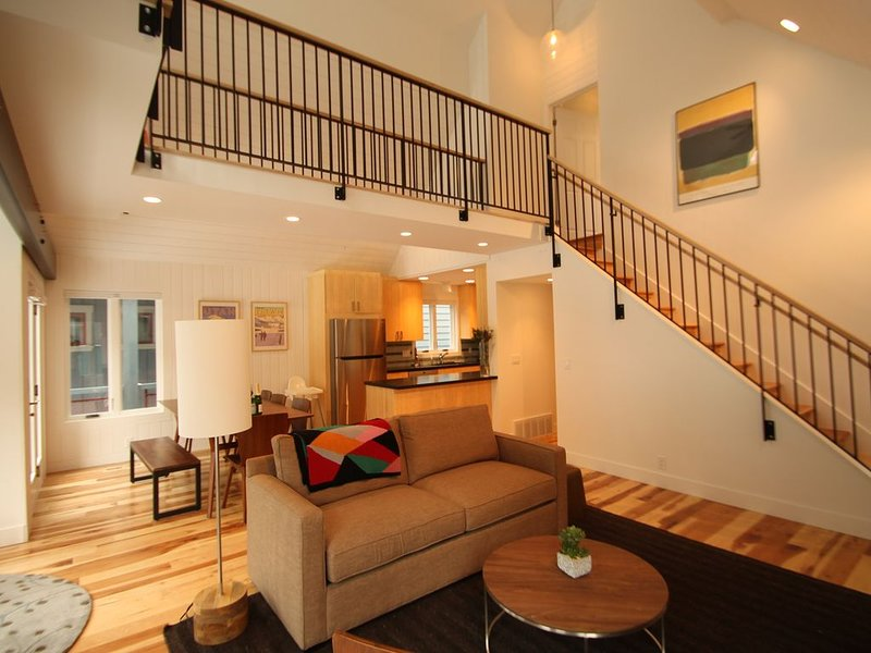 Luxury 5BR/4BA...Steps to Main, Sleeps 14, vacation rental in Park City