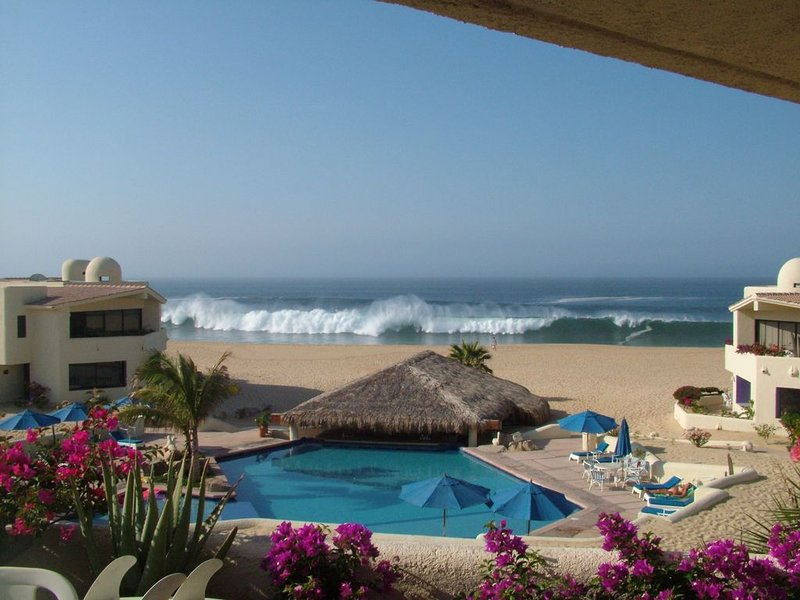 Terrasol Resort--Sleeps 10,  4 bed/3 bath Beachfront Walk to Marina, Downtown, location de vacances à Cabo San Lucas
