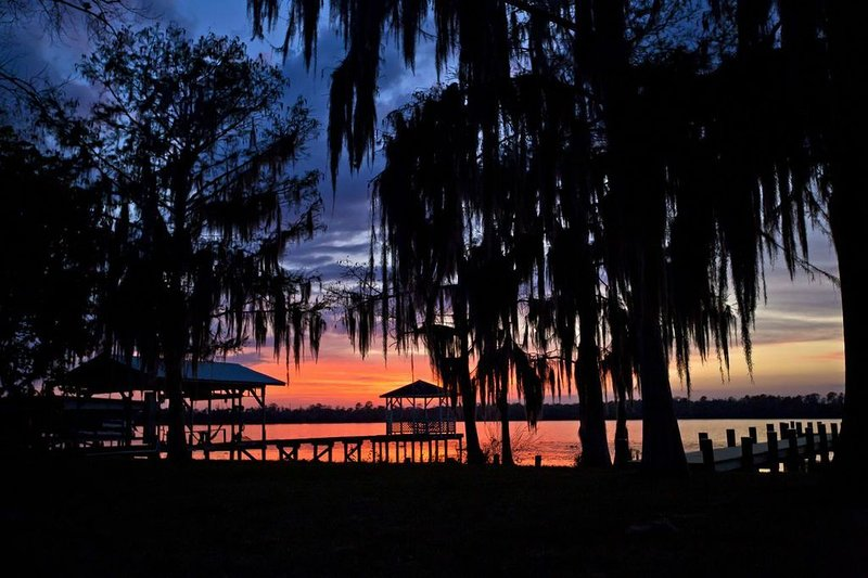 Sunset River Cottage on the Scenic St Johns River -  Thanksgiving Special, vacation rental in Satsuma