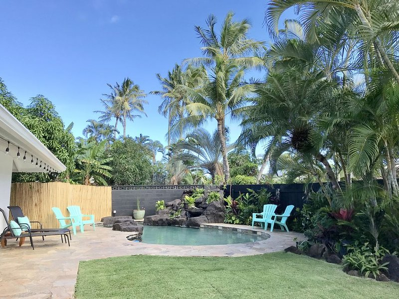 30 day minimum  ~ Large, comfortable, tropical landscape!!, vacation rental in Kailua
