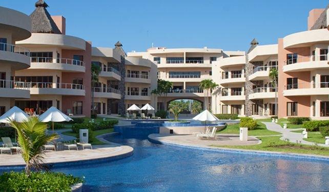 Secure, Luxury Condominium Located Right On The Pacific Ocean, holiday rental in Isla Navidad