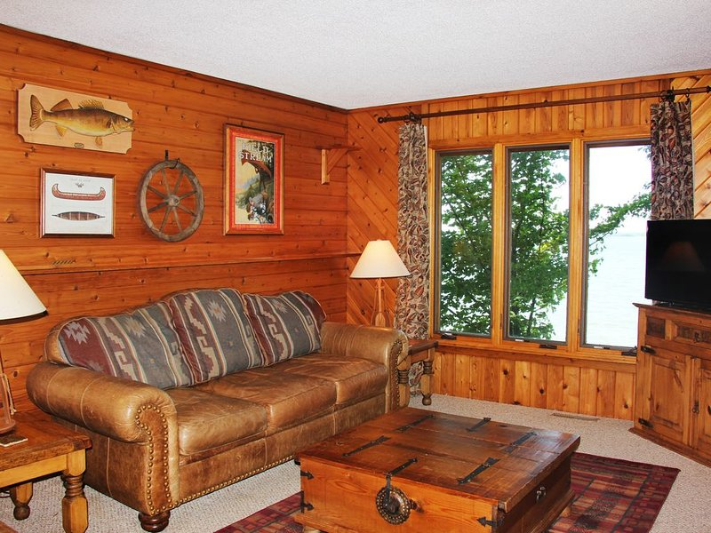 Heritage lake home located on small private resort with activities for everyone., vacation rental in Walker