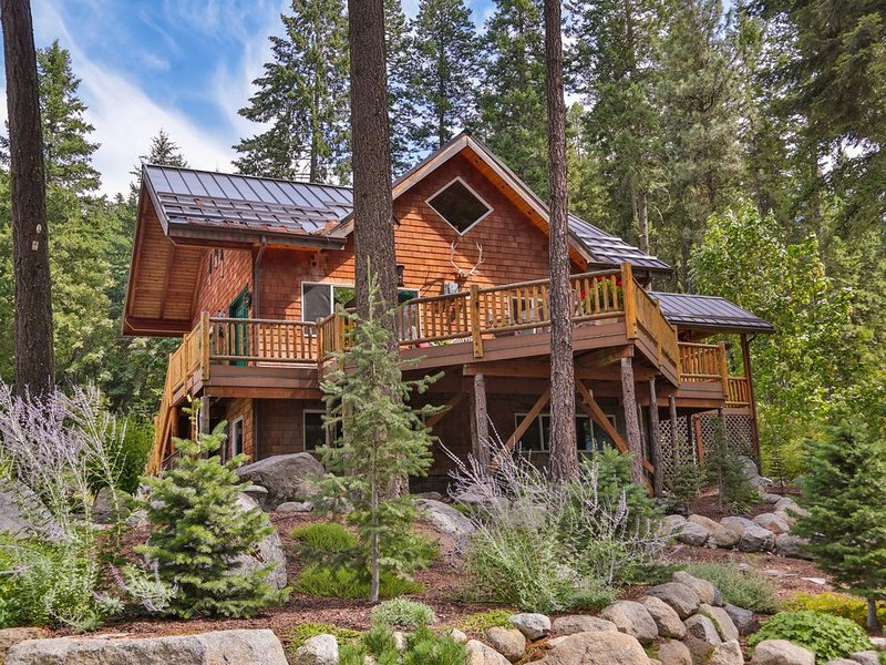 Antler Hideaway - a Luxury Mountain Cabin, vacation rental in Leavenworth