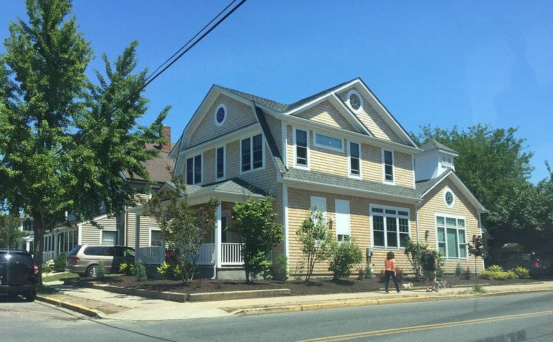 6 Master Bedroom House - 2 Blocks to Beach, alquiler de vacaciones en Rehoboth Beach