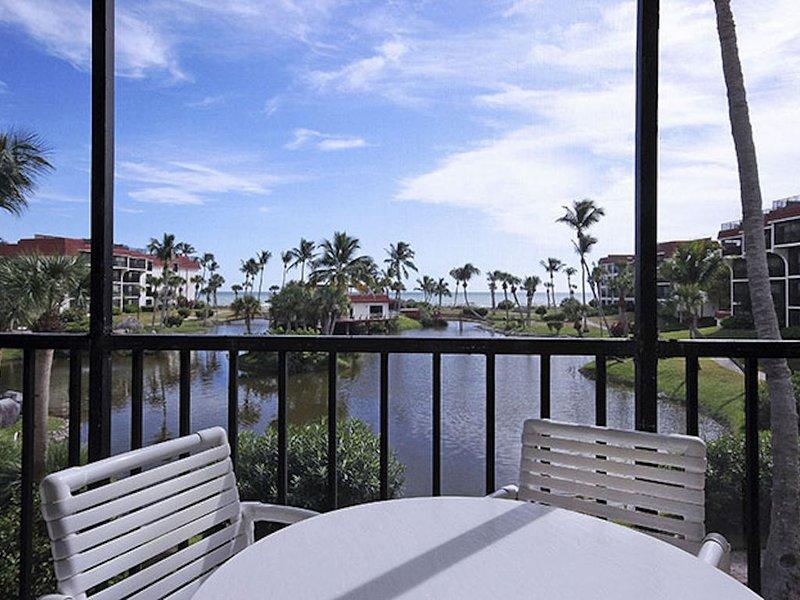 Breathtaking ocean/beach views from most rooms! Your paradise awaits you!, location de vacances à Île de Sanibel