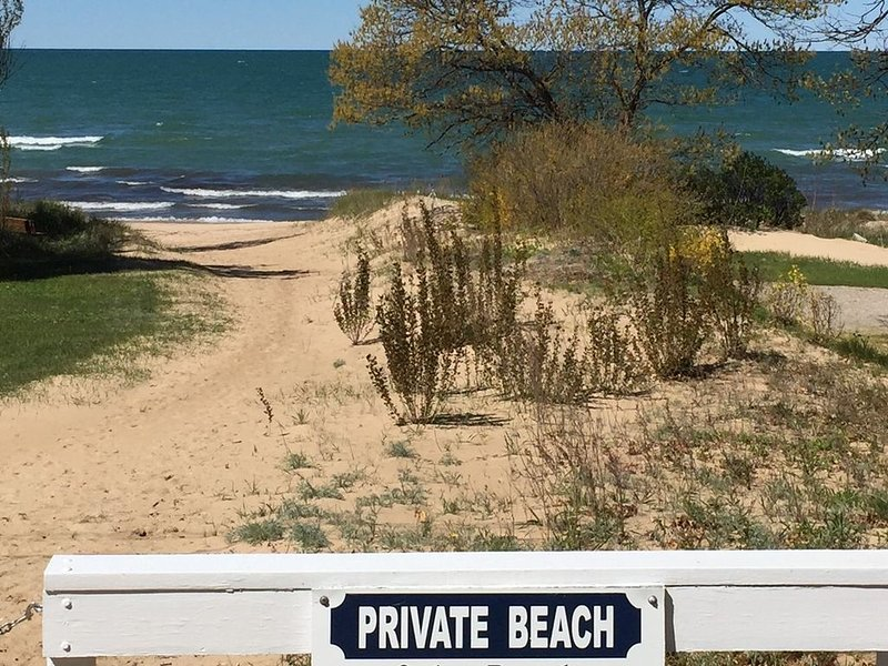 Unique property with main cottage, guest house and private beach access., holiday rental in Port Austin
