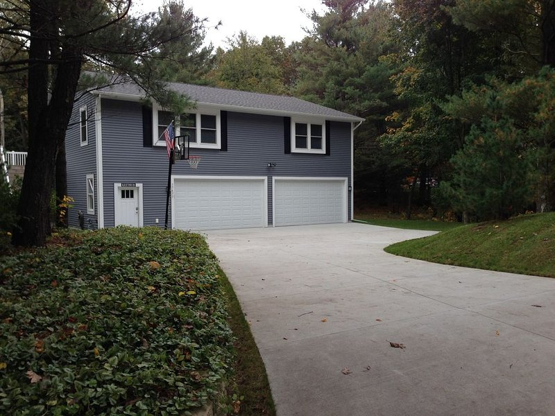 Spacious & exceptional home Close to American Dunes golf course, opening 2021, holiday rental in Grand Haven