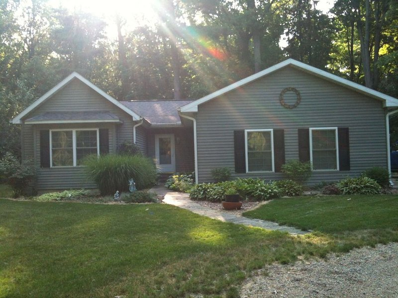 4 Bedroom, Private Beach Rental in Lakeside, MI, location de vacances à Berrien County