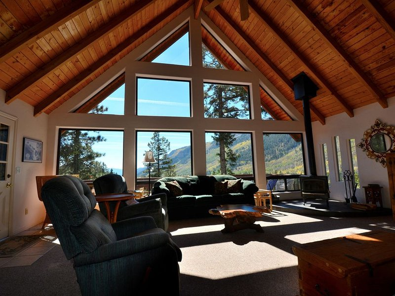 At 8400 Feet - 'Live Where the Gods Fly', holiday rental in Durango Mountain