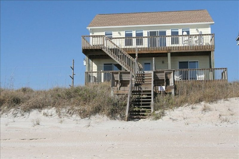 Oceanfront, 5 Bedroom, Ultra Family Friendly with Elevator!, holiday rental in Surf City