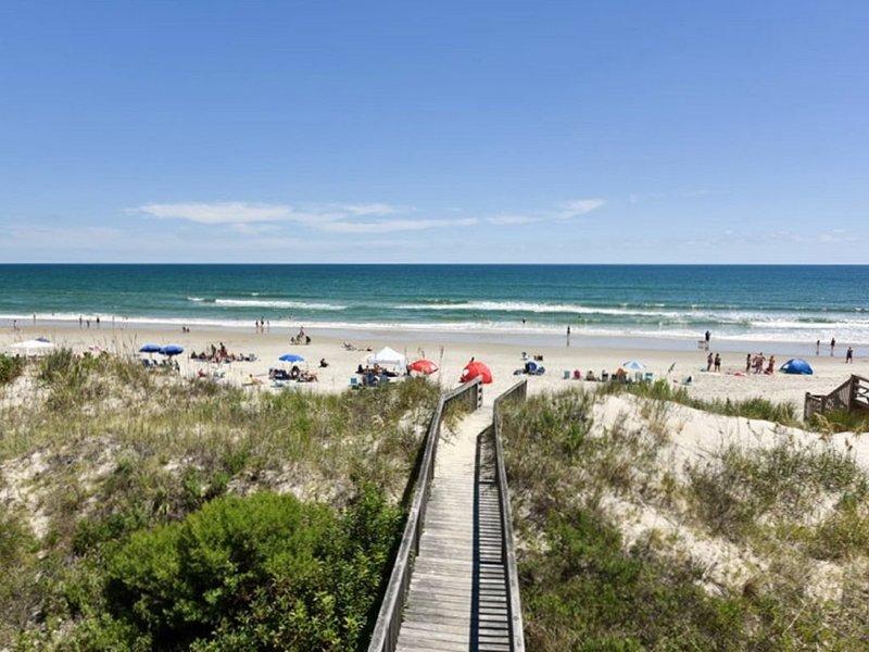 ¡Su pasarela de playa privada conecta a Tidalist con la playa!