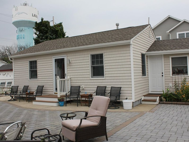 Affordable, Clean, Comfy Cottage, holiday rental in Lavallette