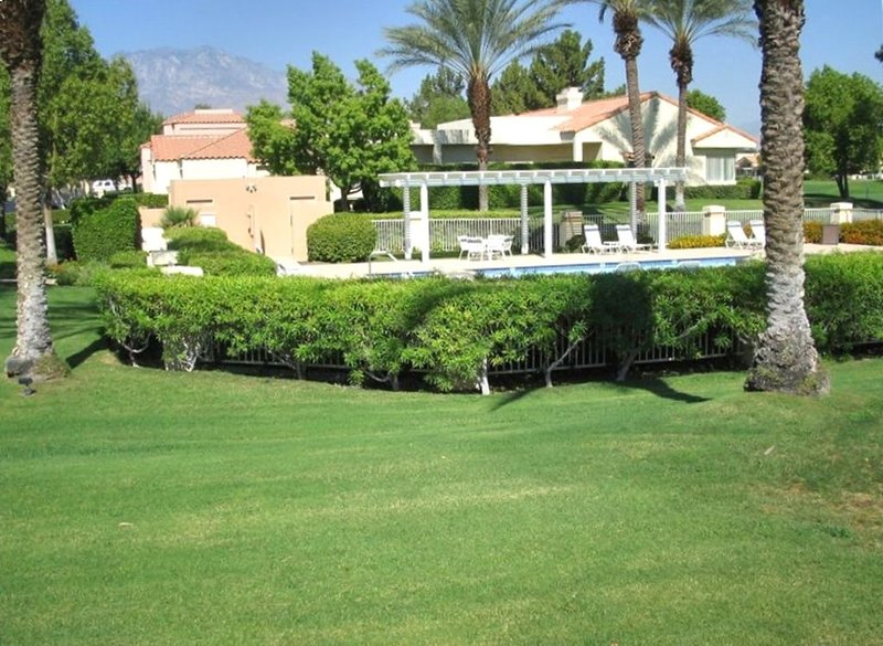 Prime Location in Mission Hills East, holiday rental in Thousand Palms