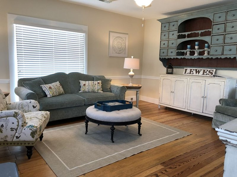 Cozy Cottage in Historic Lewes Delaware, holiday rental in Lewes