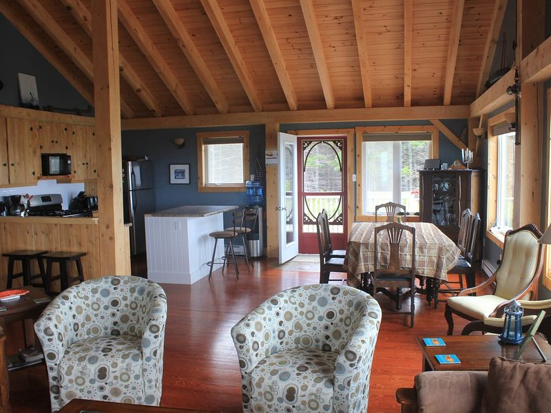 Piper's Path Oceanfront Beach House, holiday rental in Pomquet