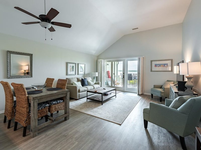 Luxury Beachfront Villa, newly renovated, Pet Friendly,  Amenity Cards Included, vacation rental in Seabrook Island