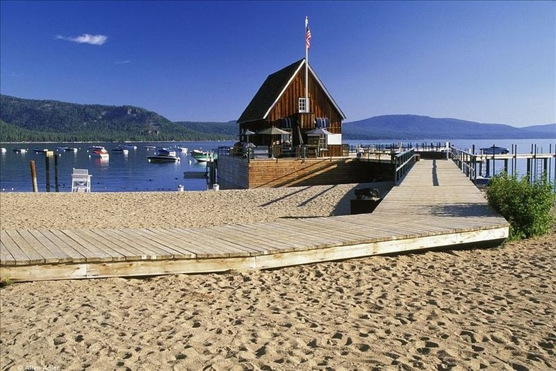 Lake Tahoe - Chambers Private Beach, Pool & Tennis Membership, location de vacances à Homewood