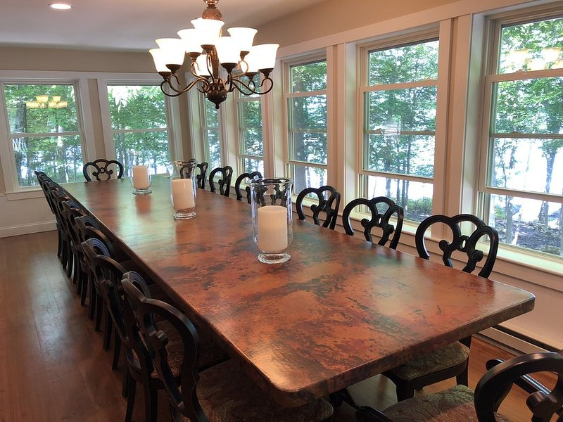 Waterfront Family Reunion/ Retreat Home on Lake Sebago, vacation rental in Raymond