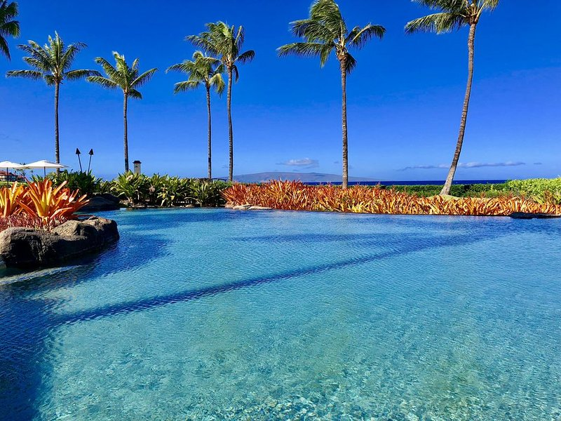 New Contemporary Elegant: 4 Bd, 3Ba, 3811S.F. & Office: Wailea Beach Villas 208., holiday rental in Wailea