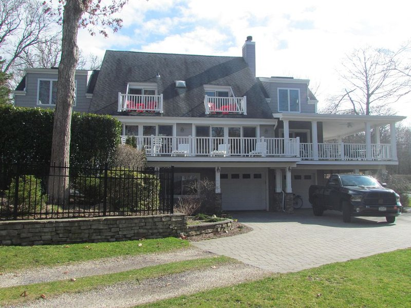 Great Relaxing Summer Family  House, vacation rental in Southold