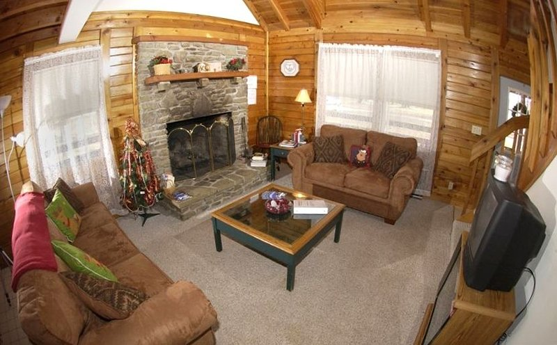 Pristine Family Vacation (Military Discount 10%), holiday rental in Davis