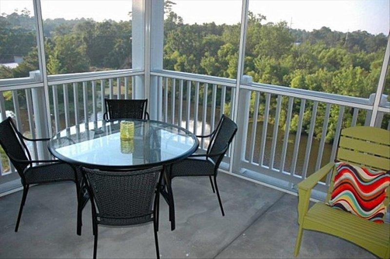 Beautiful 2BR/2BA Condo Litchfield by the Sea Resort, holiday rental in Litchfield Beach