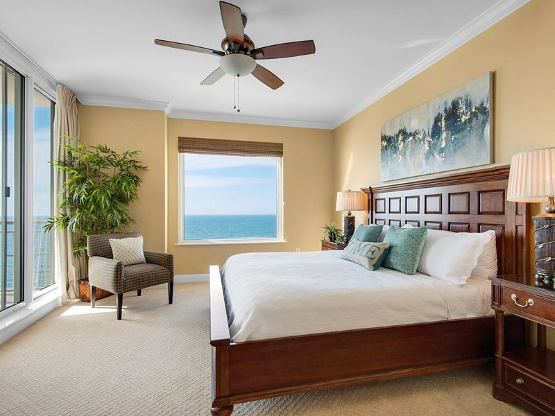 BEACH FRONT, INCREDIBLE VIEWS!  2 KINGS, EIGHTY+ 5 STAR REVIEWS, location de vacances à Perdido Key