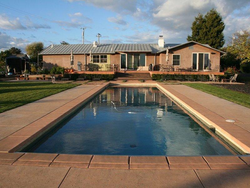 Maison entourée de vignes dans la région de Carneros - Napa Valley, Californie.
