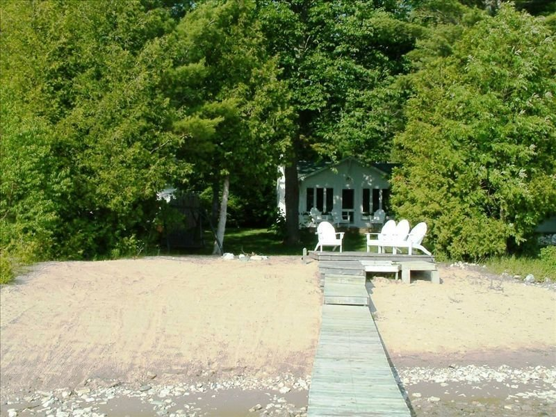 Classic Summer Cottage, location de vacances à Boyne City