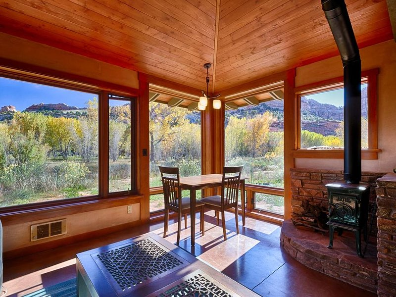 Beautiful 1 Bedroom Guest Home in the Escalante Canyon - Perfect for isolation, vacation rental in Escalante