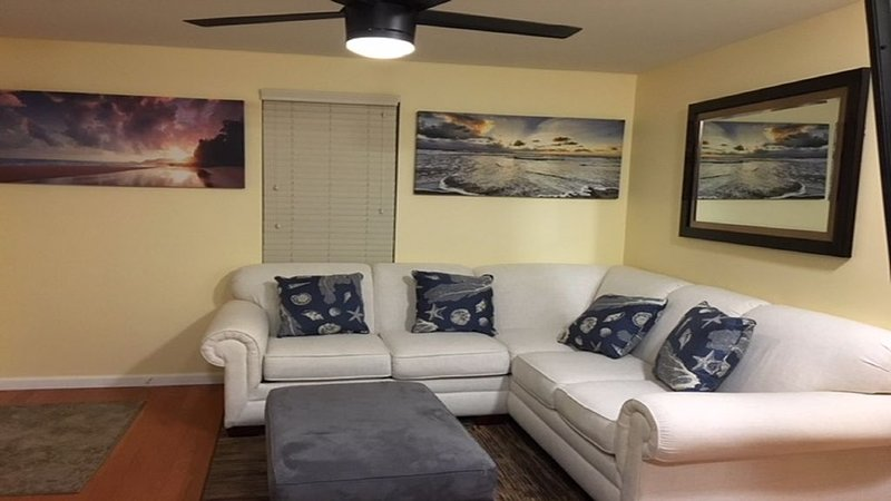 Feet from Beach and Boards, holiday rental in North Wildwood