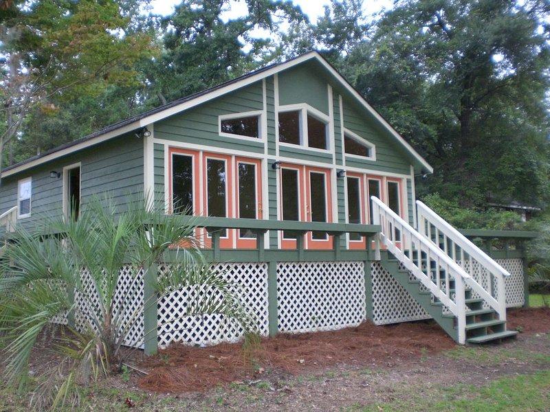 The Lake House at Santee, holiday rental in Summerton
