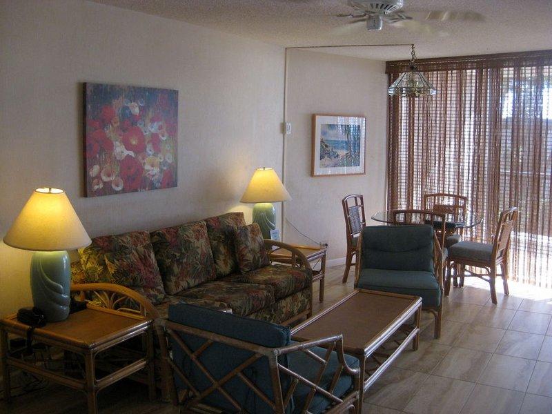 HOL 403 Living Room