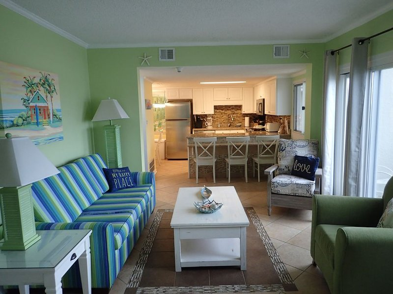 Penthouse ~ Book for Spring Break!, alquiler de vacaciones en Carillon Beach