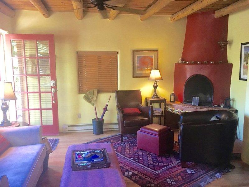 1930's CASITA - in  the SWEET HEART of Santa Fe!  (South Capital), holiday rental in Santa Fe