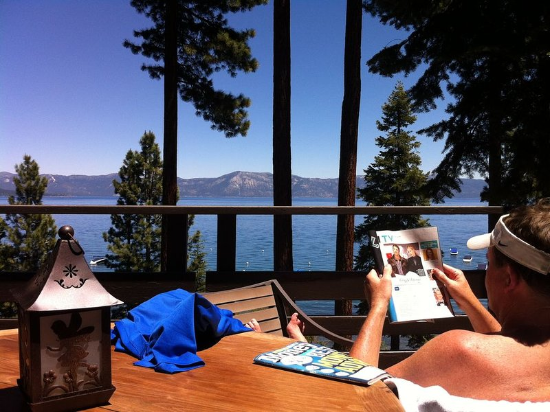 Hip, Lakefront Chinquapin Condo With Spectacular Views – semesterbostad i Tahoe City