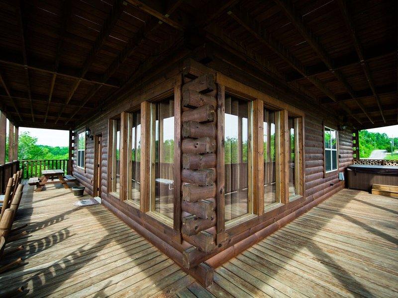Les 3 niveaux proposent des porches enveloppants avec des rockers, des balançoires et des planeurs.