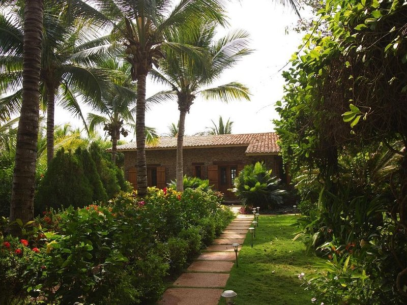 Italian Farmhouse on the Pacific Ocean, vacation rental in Troncones