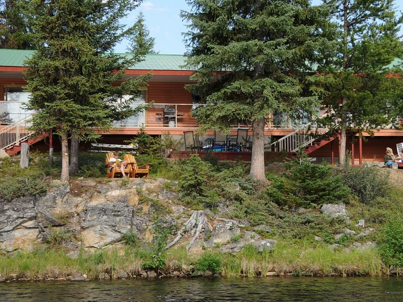A Quaint Lakeside Vacation Home In A Wilderness Setting, casa vacanza a Idabel Lake