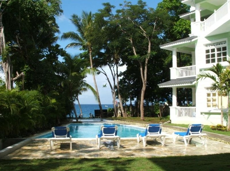 2 BR Beach Front Condo in Sosua with Stunning Views, vacation rental in Sosua