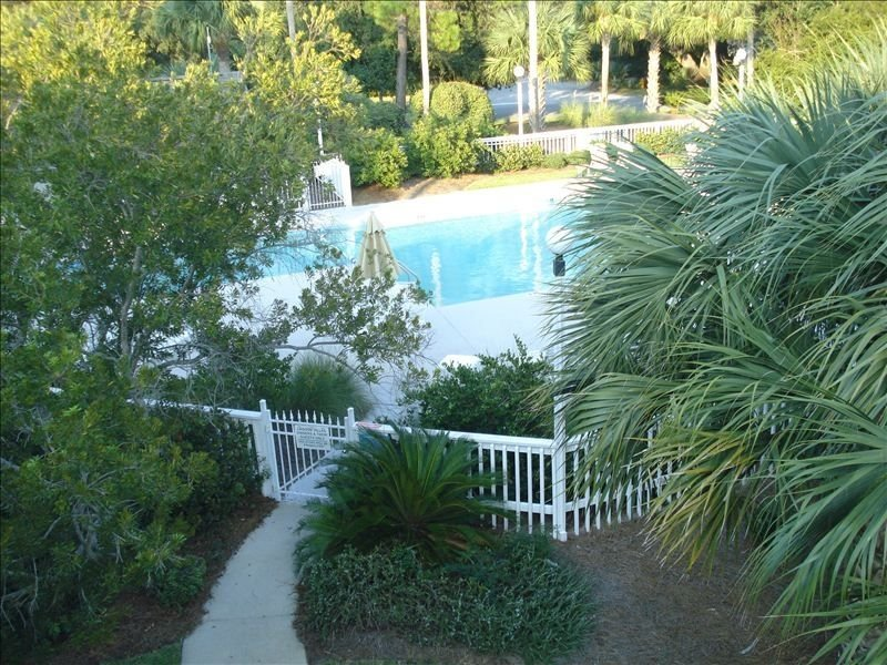 2BR/2BA Poolside ... Perfect for families, holiday rental in Isle of Palms