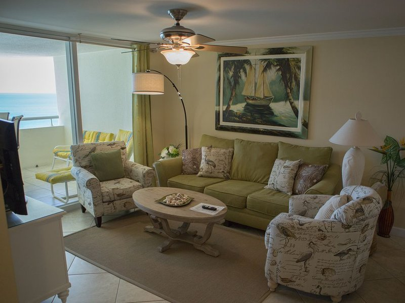 Luxury Beachfront 2 Bedroom/2 bath penthouse paradise!, location de vacances à Perdido Key