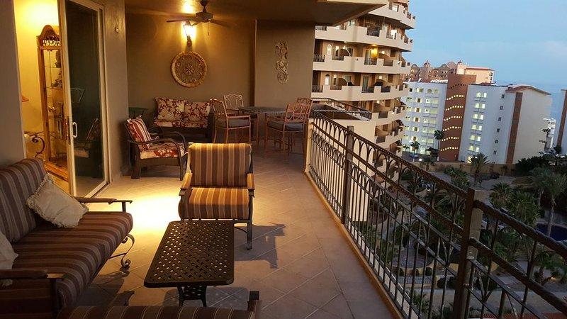 2BR/2BA - an 'Amazing' Luxury Condo in Bella Sirena-Building C, vacation rental in Puerto Penasco