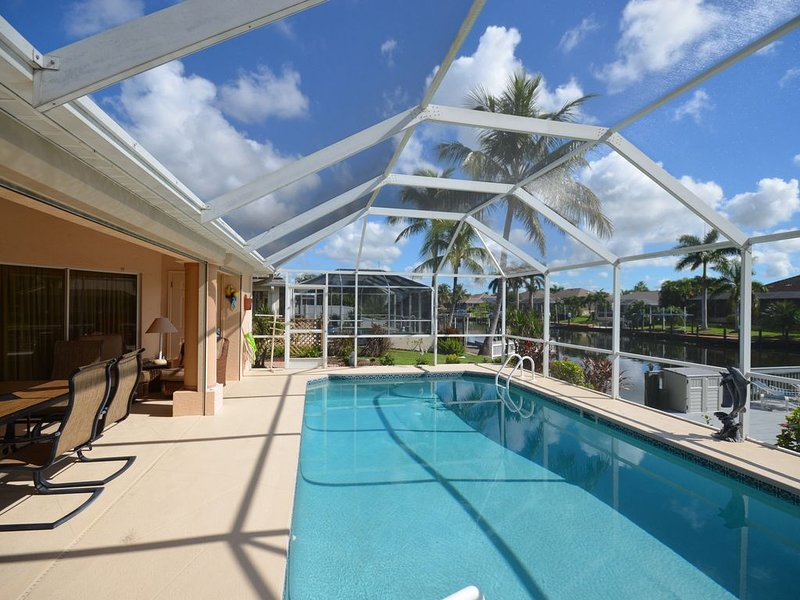 Heated Pool/Waterfront/Canal/Dock/Gulf Access, Private Sunny Home, vacation rental in Cape Coral