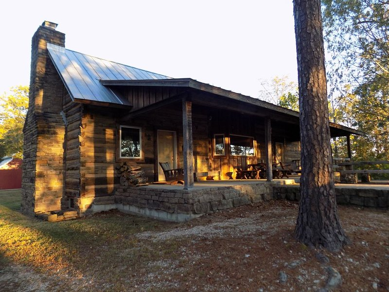 Secluded Cave Creek Cabin where you can Restore Your Soul, sleeps 15, vacation rental in Saint Joe